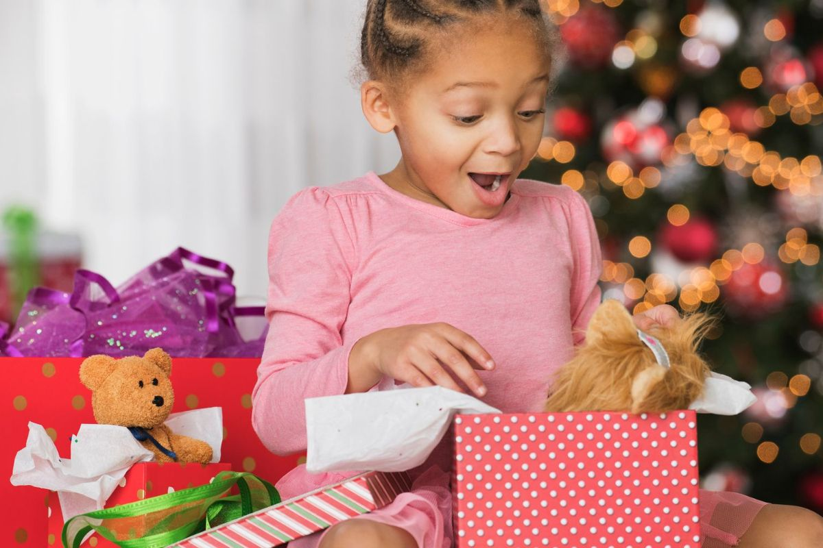 Best Surprise Gifts That Can Make Your Kids Happy