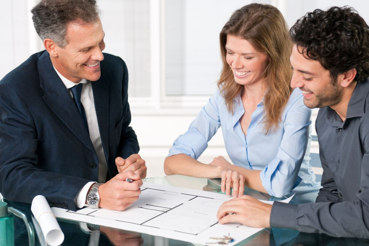 Why Should You Contact a Mortgage Broker when Buying a New Home?